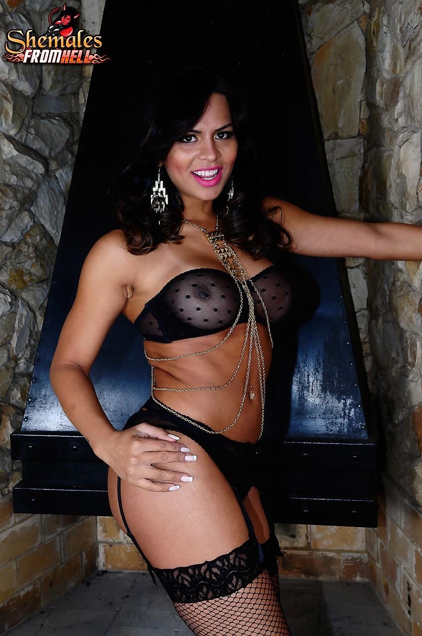 Alessandra Ribeiro Craves Horny Nailing