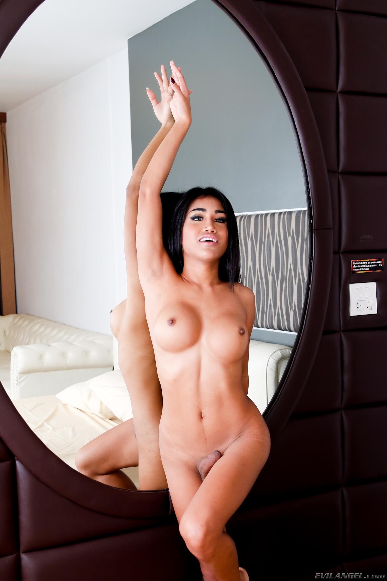 Alisa C Ladyboy, She Is Just So Seductive And Flirtatious