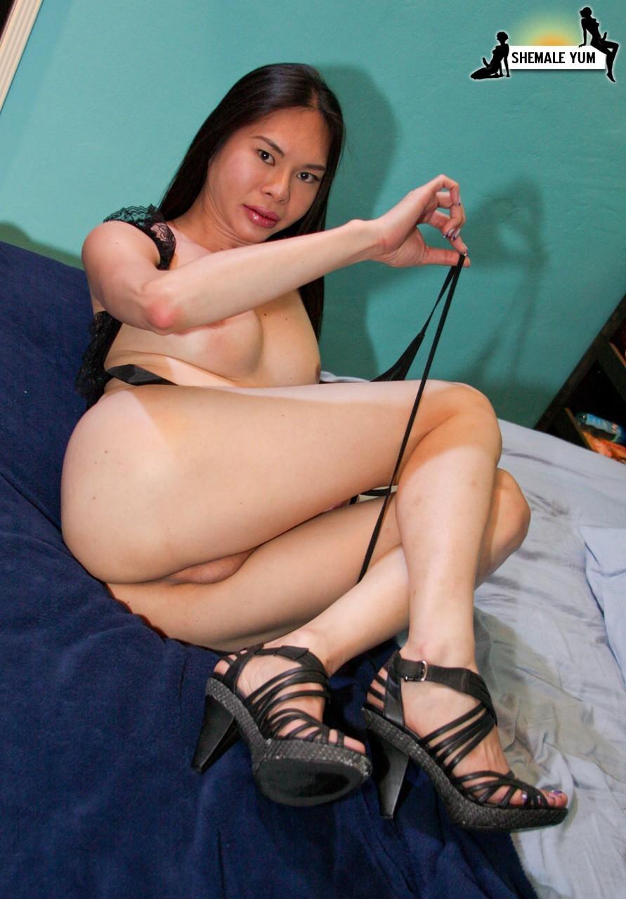 Amanda Jade Teasing In Black Panties