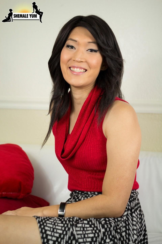 Amy Sun Exposing Her Titillating Tgirl Body