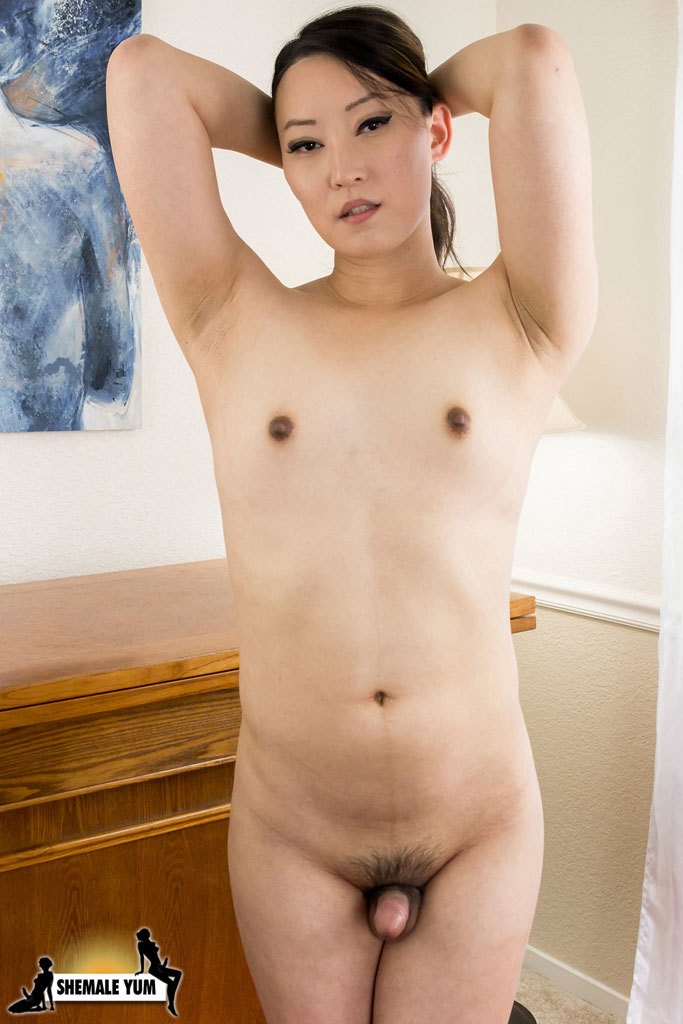 Amy Sun Proud Of Her Raw Penis