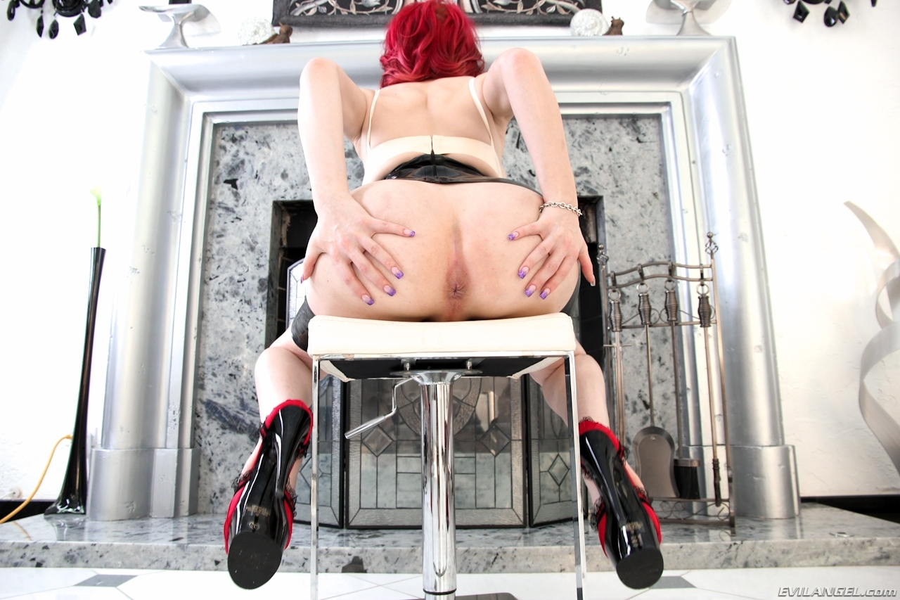 Arousing Sarina Valentina Redhaired Beauty Toying Her Butt
