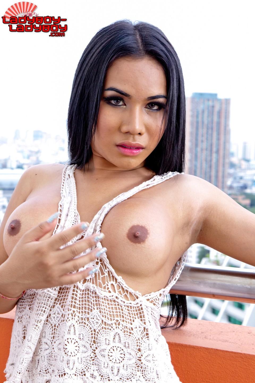 Asian Jasmine Teasing