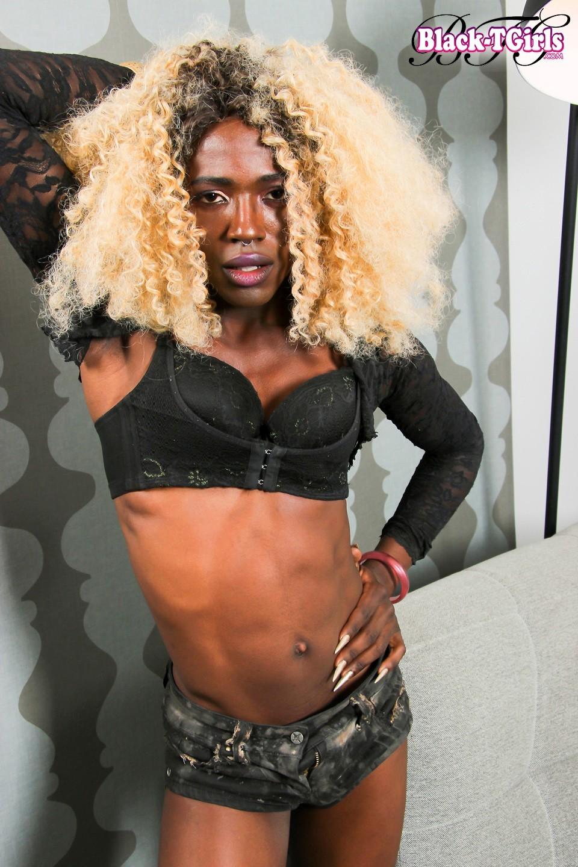 Aviva Romelli Steamy Ebony Tgirl Star Teasing