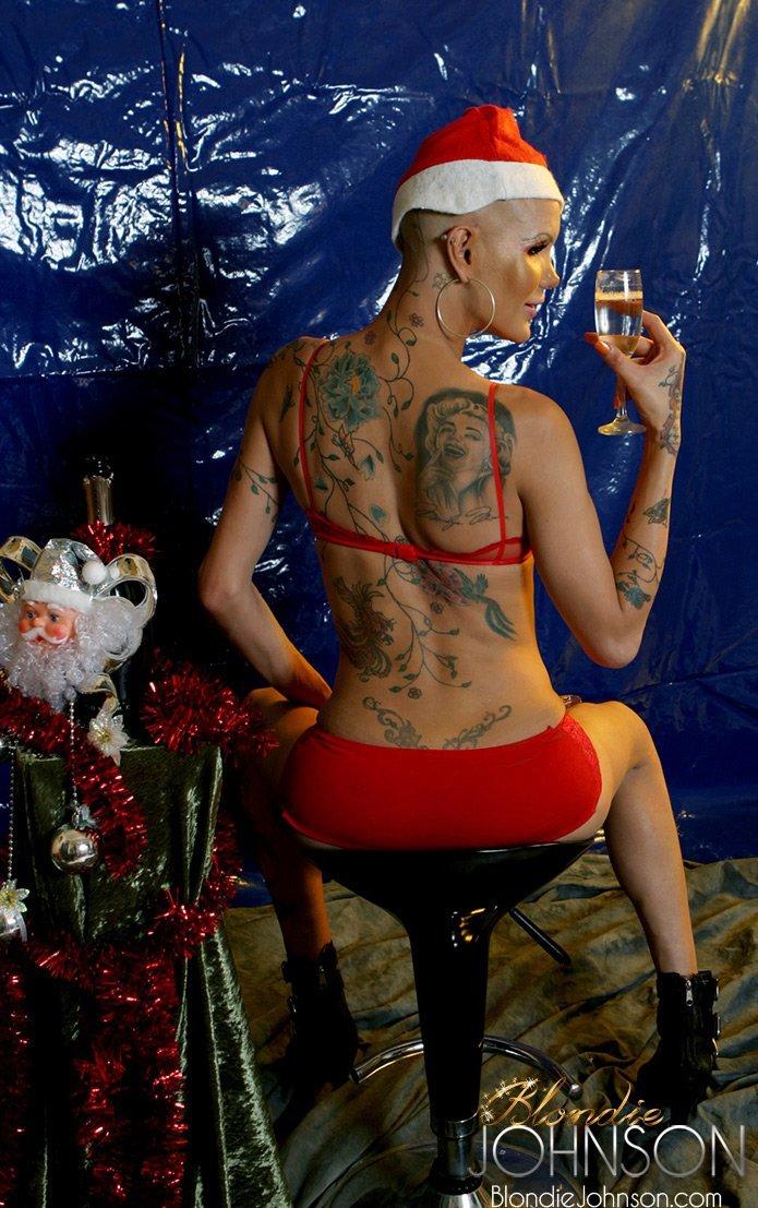 Bald Femboy Blondie Is A Yummy Nude Santa