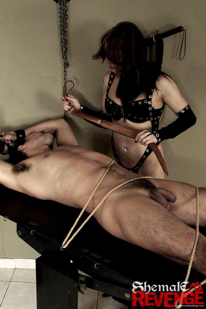 Barbara Kysivics Torturing A Dude