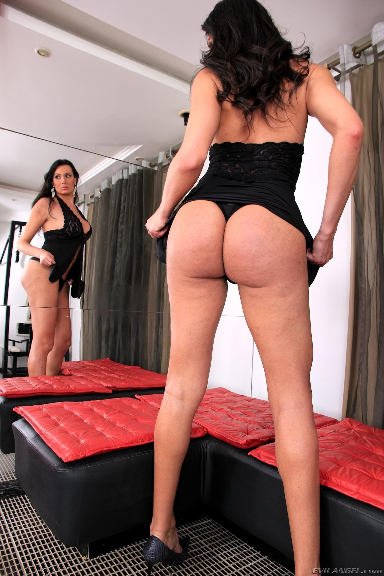 Bia Gaucha In Arousing Black Panties