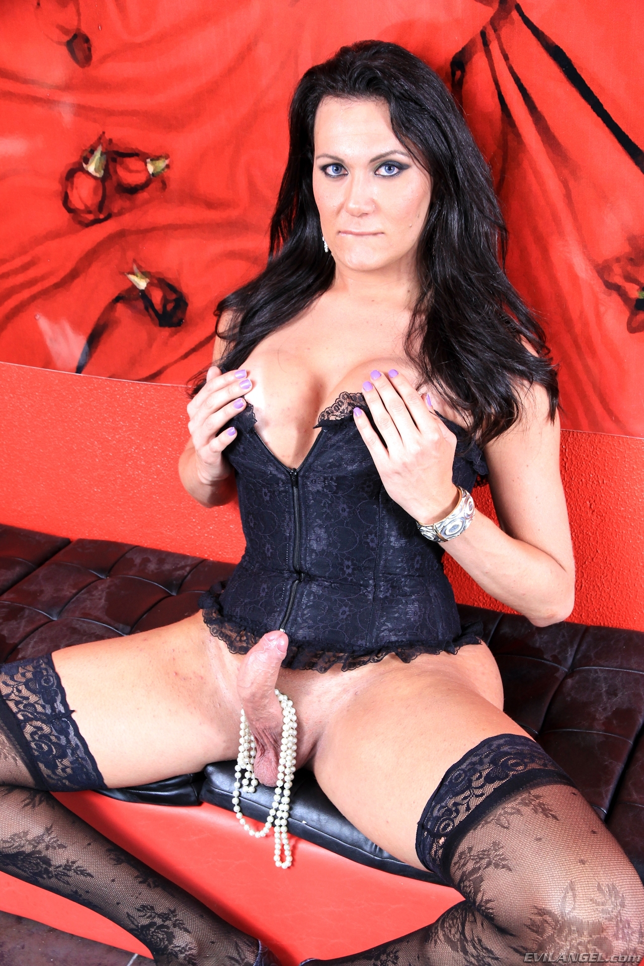 bia gaucha will choke her dick with some pearls