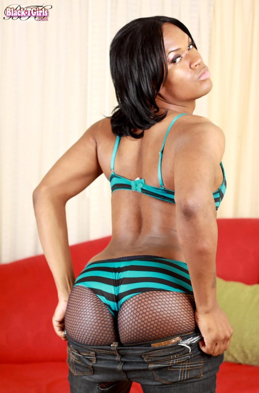 Black T-Girl Carrera Proud Of Her Sensual Body