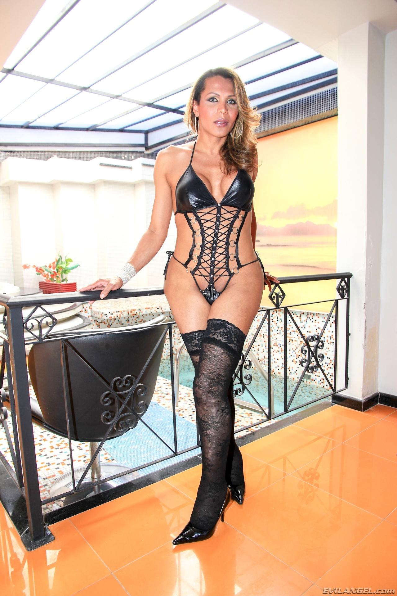 Carla Araujo In Inviting Wear On The Balcony Exposing Her Bubble Ass-Hole
