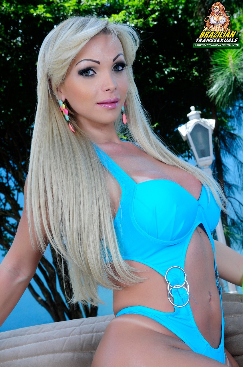 Carla Novais In Provocative Blue Swimsuit