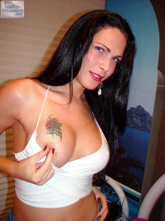 Cristina Bianchini Exposing Her Suggestive Body