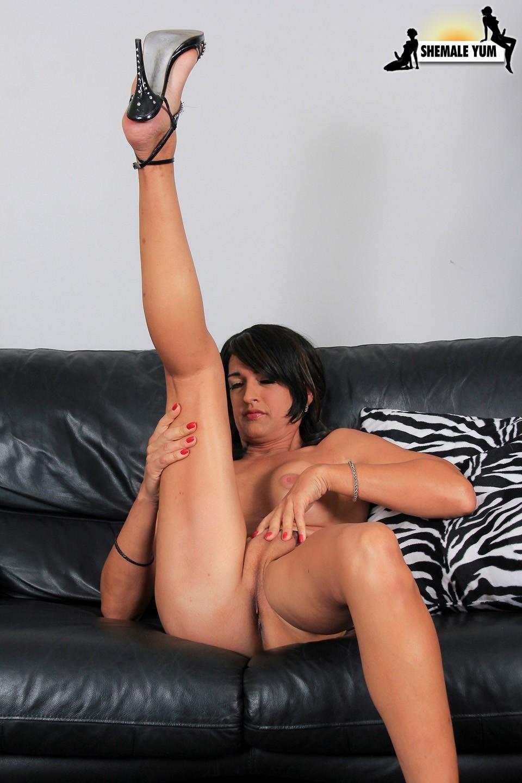 Dee Dee Suggestive In Panties