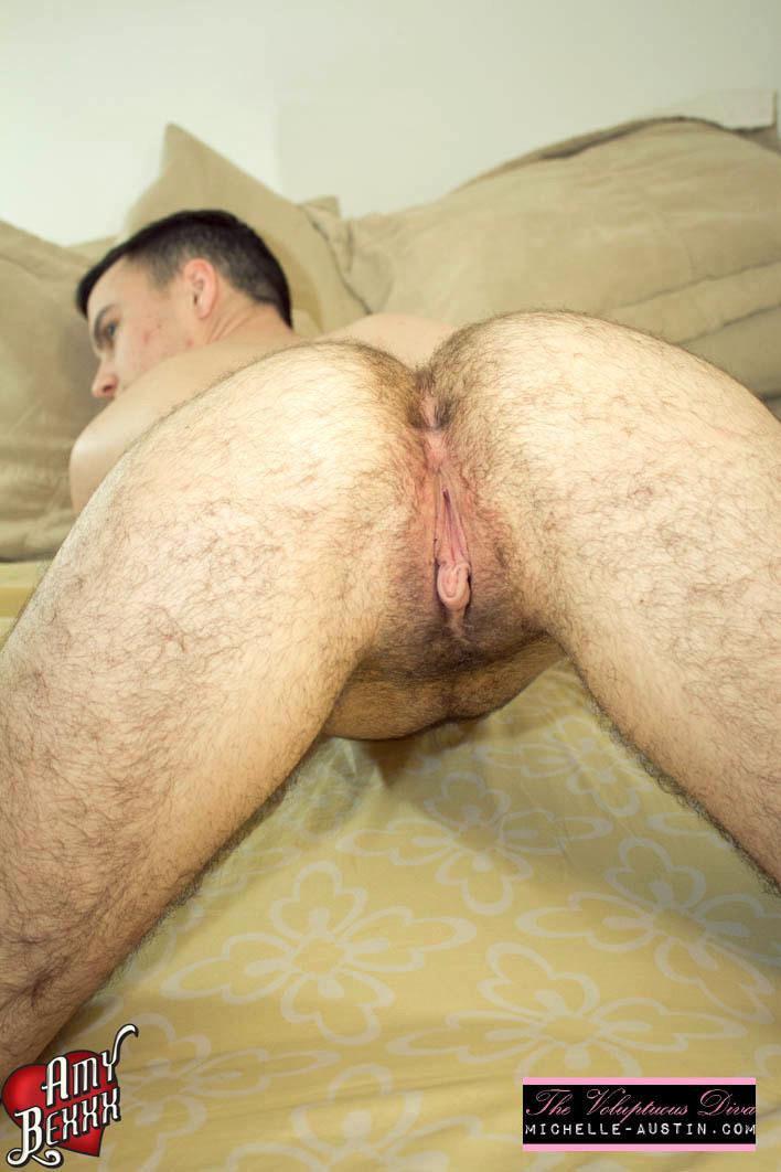 Dorm Room Fuckup - Ts Nailing A Pussy Boy