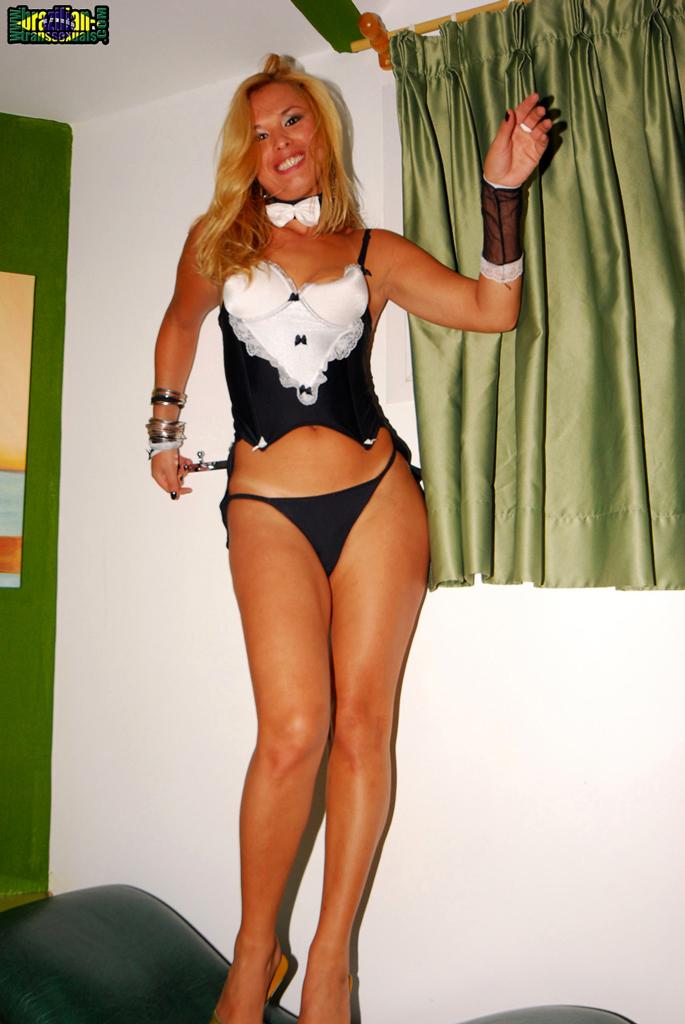 Duda Tiny Stripping Her Sensual Corset
