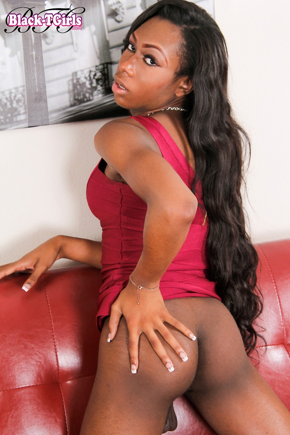 eryn skyy exposign her inviting black ass hole