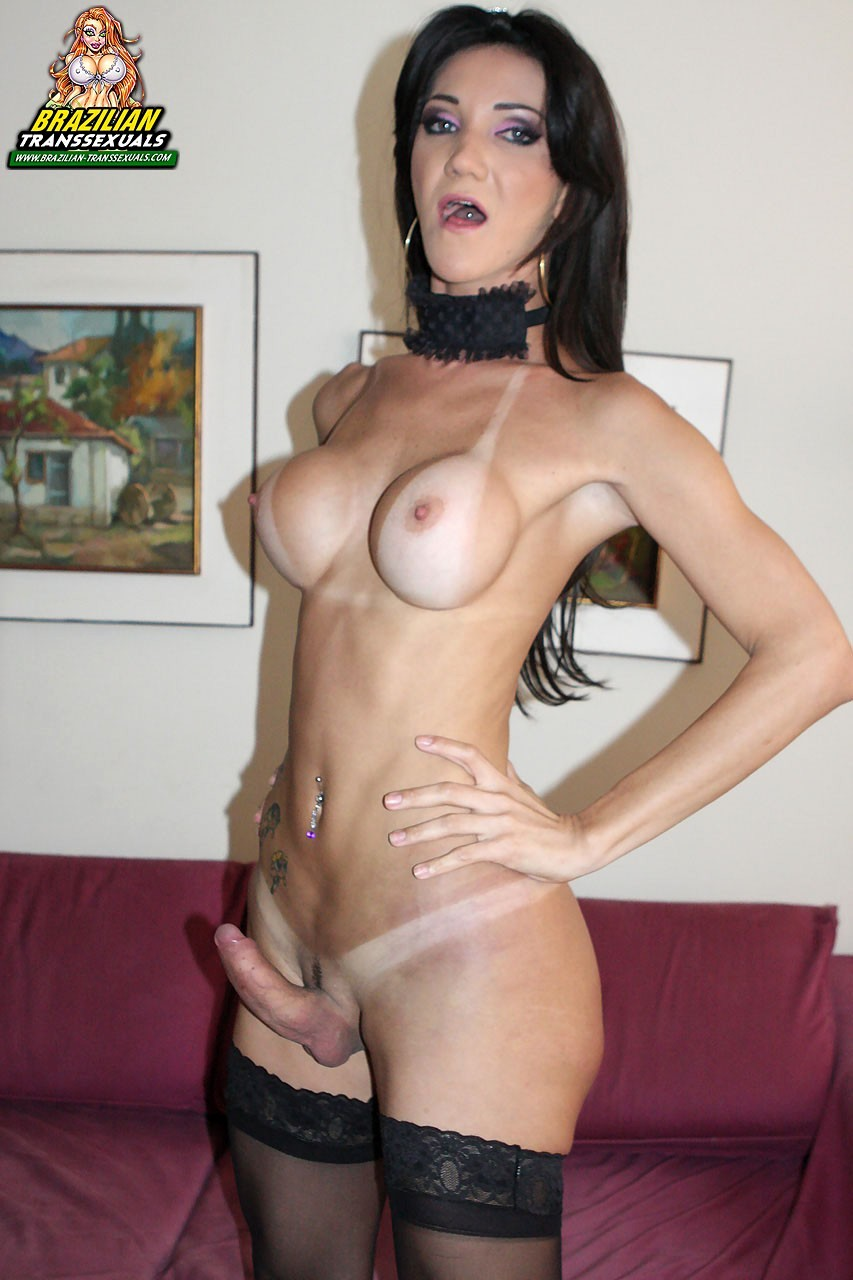 Fernanda Lohany Looking Flirtatious In Stockings