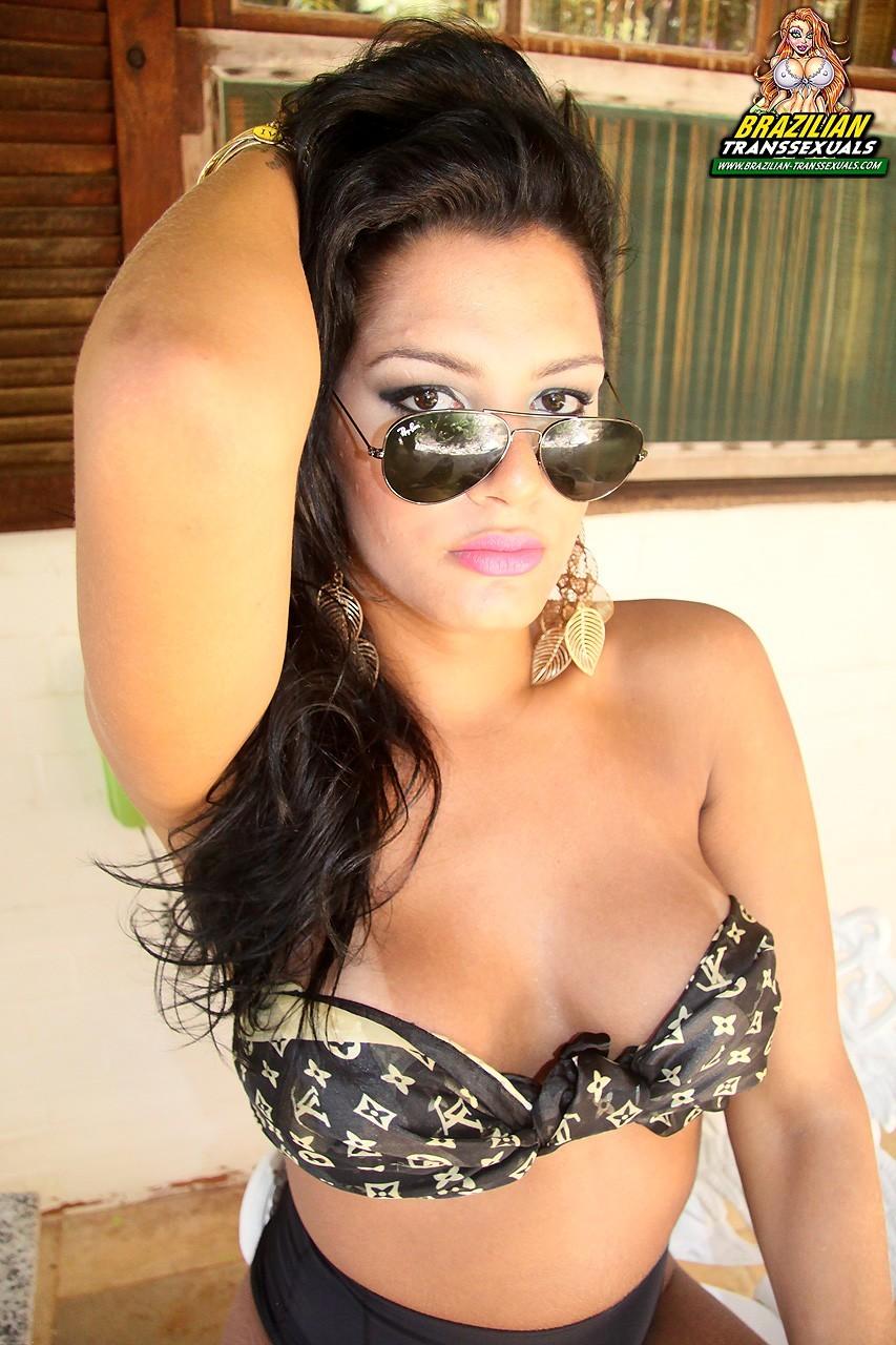Flirtatious Stephanny Marinho Posing Topless