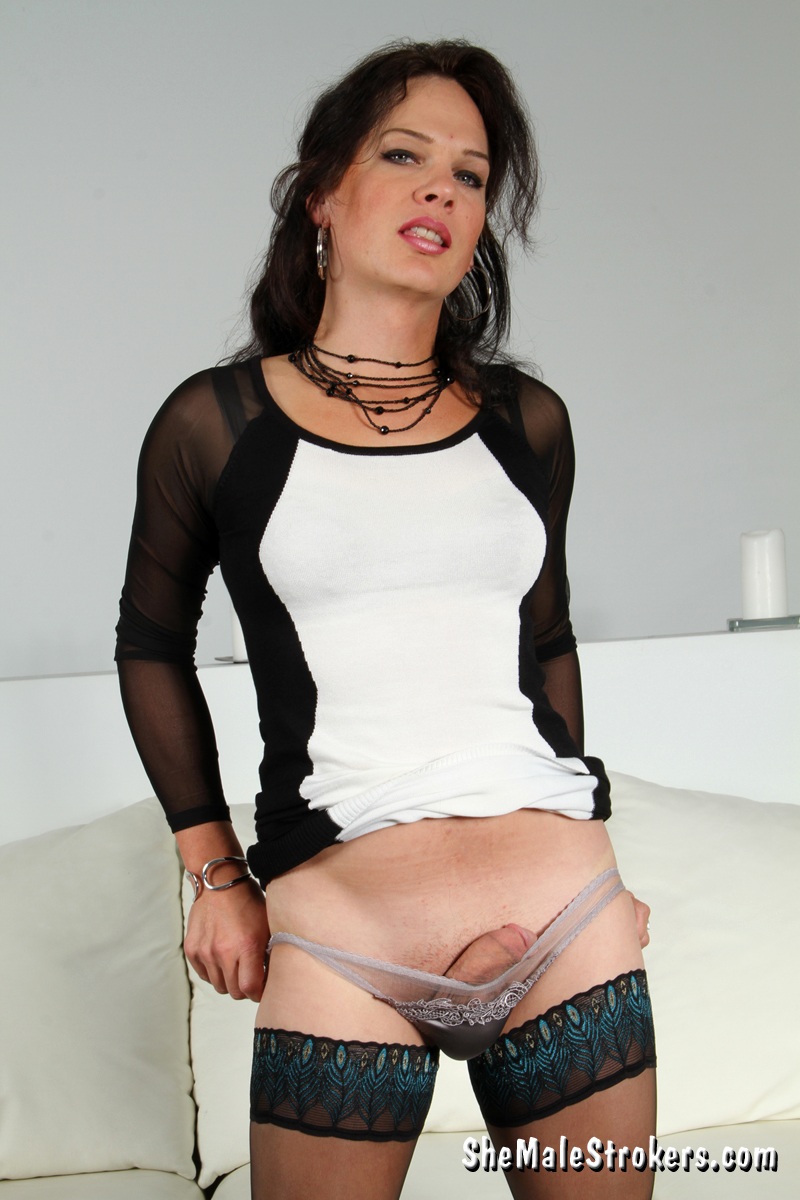 gina hart exposing her long penis