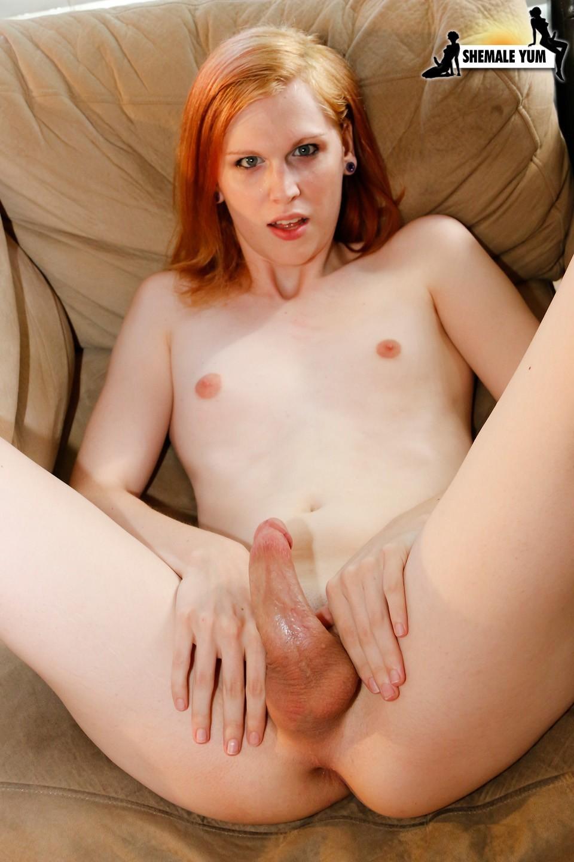 Ginger Tara Jo Lee Posing With Her Nude Penis