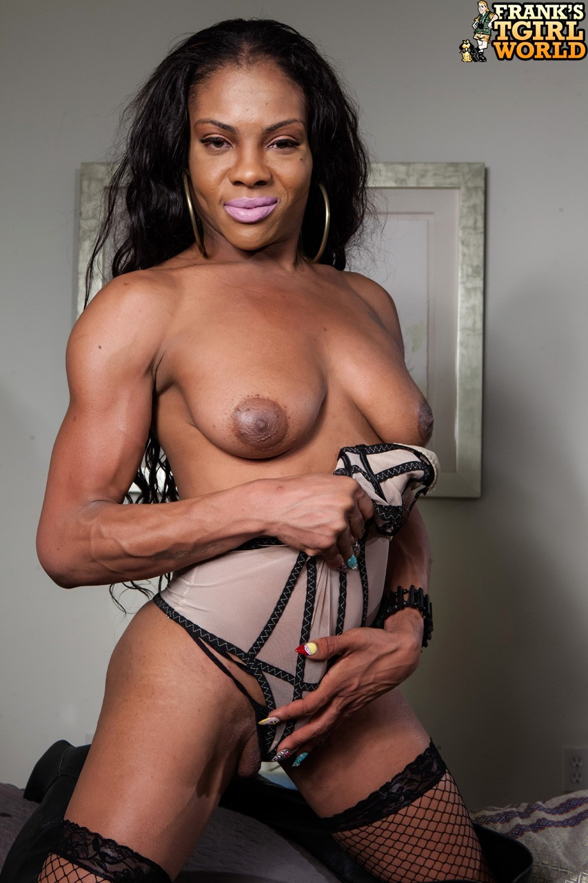 Ilza Is Arousing Black Tranny And She Enjoys To Tease