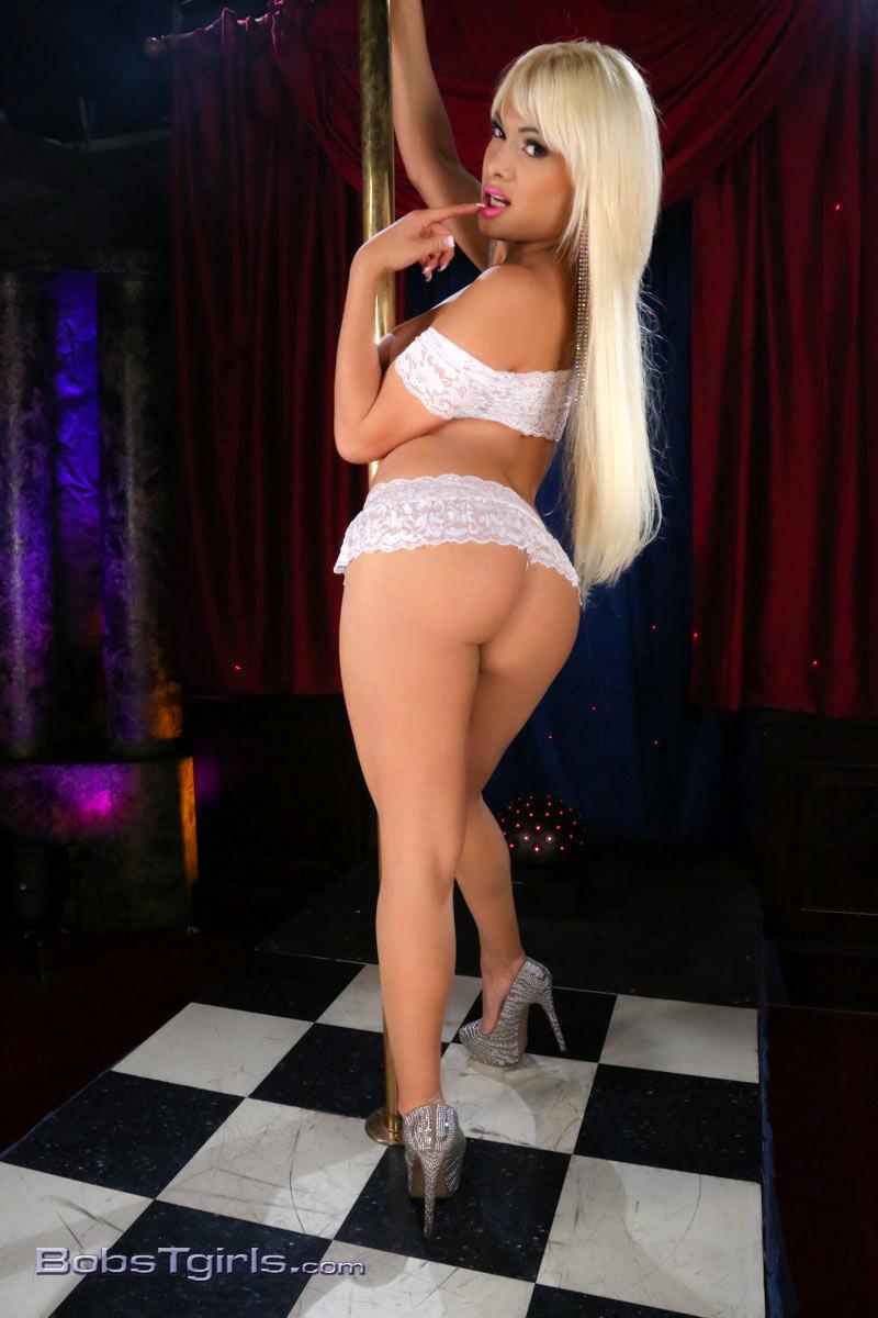 Inviting Blonde Kim Strips & Pole Dances
