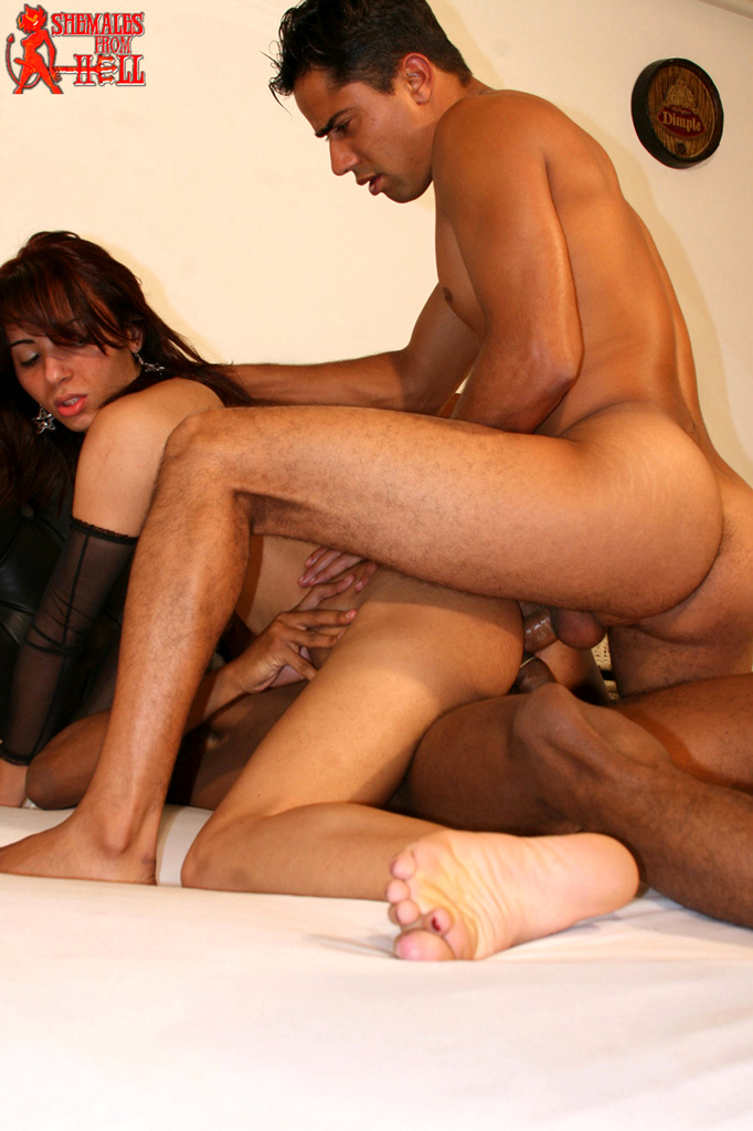 Isabela Medeiros - She Desires Three Way Fuck