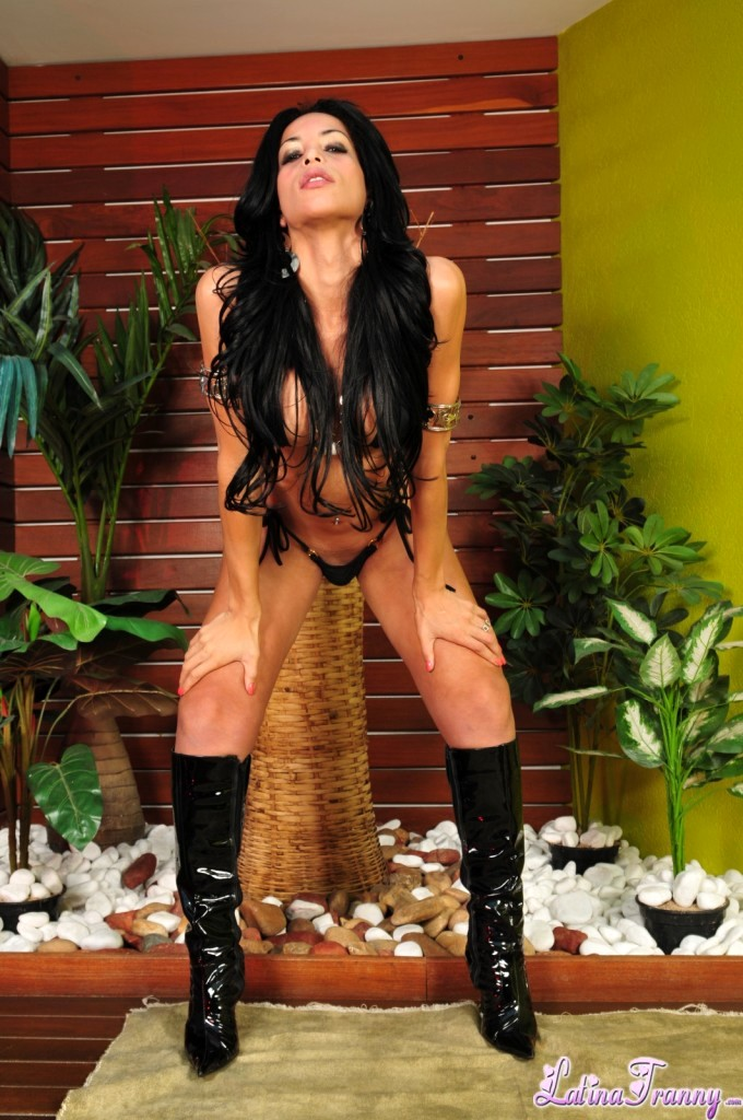 Isabelle Ferraz Hot In Boots