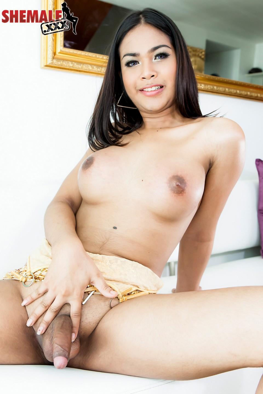 Jallay Posing In Golden Skirt