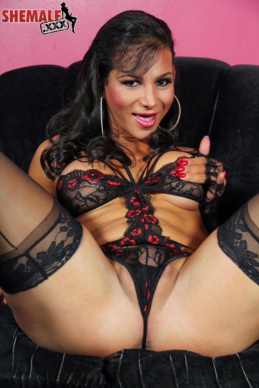 jaquelin braxton seductive in stockings