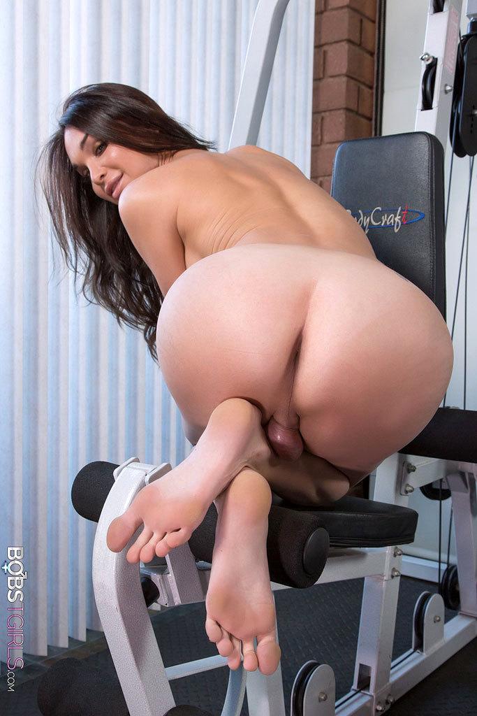 Jonelle Brooks - Panties Workout
