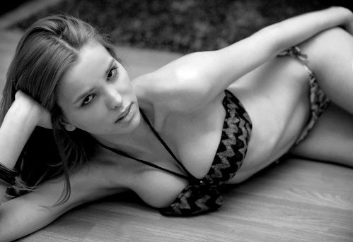 julia rubeiro t girl non nude photos