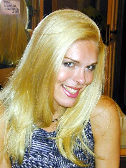 Juliana Di Primo Showing Pretty Smile