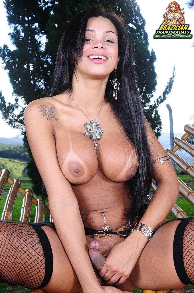 Juliana Vidal In Steamy Stockings