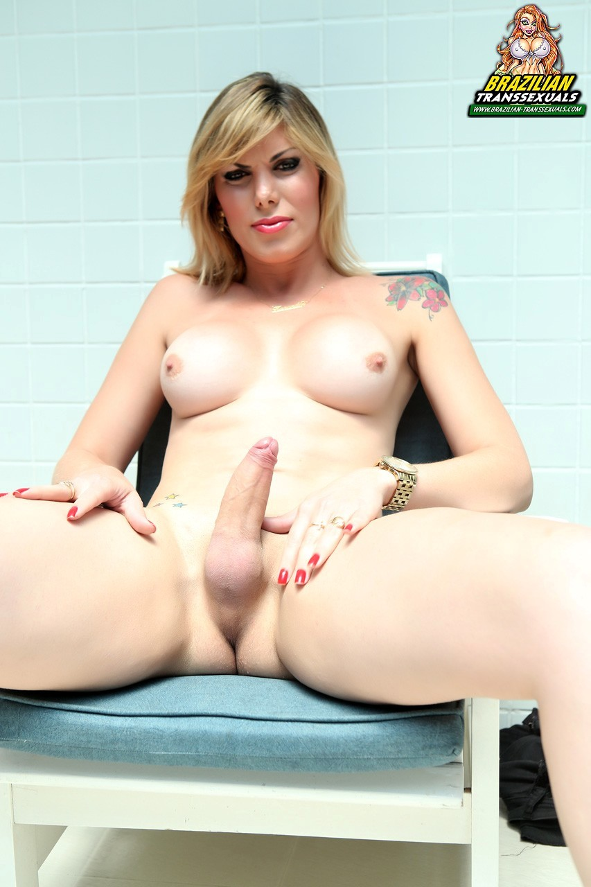 Kananda Hickman Playing With Her Tits And Penis