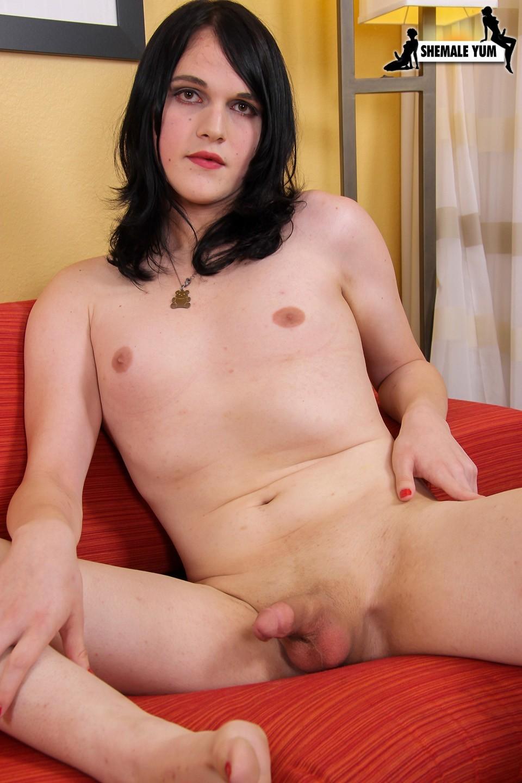 Katt Anna Posing In Provoking Panties
