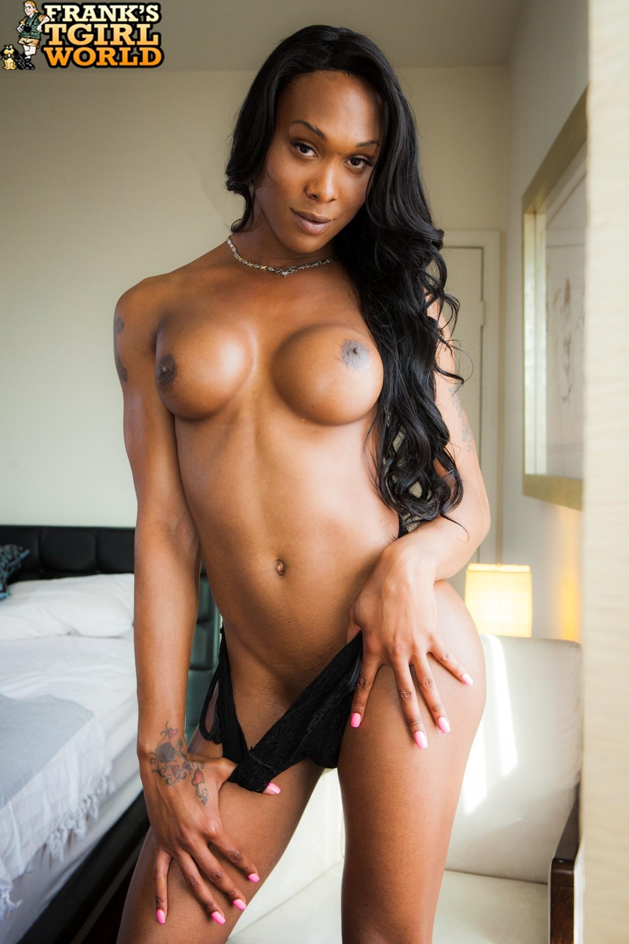 kayla biggs posing in sensuous panties