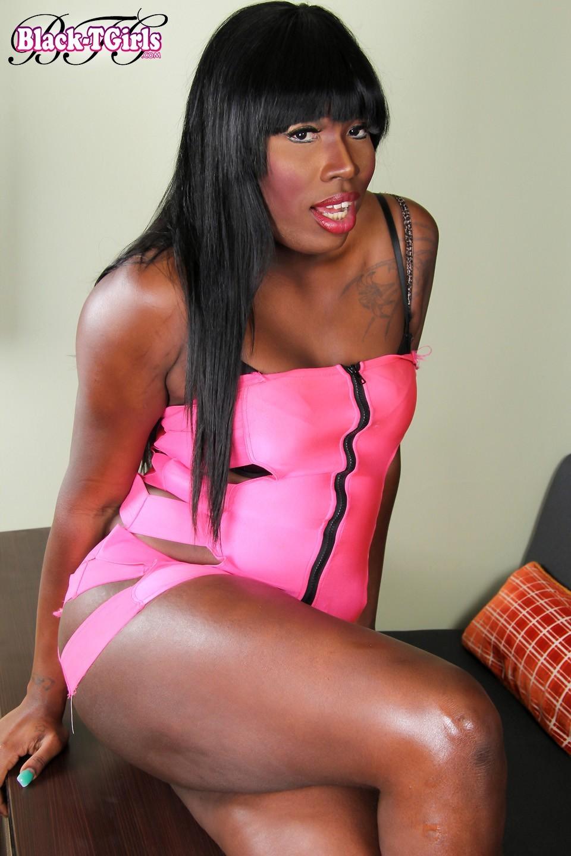 Kenya Long Stroking Her Tool In Pink Skirt