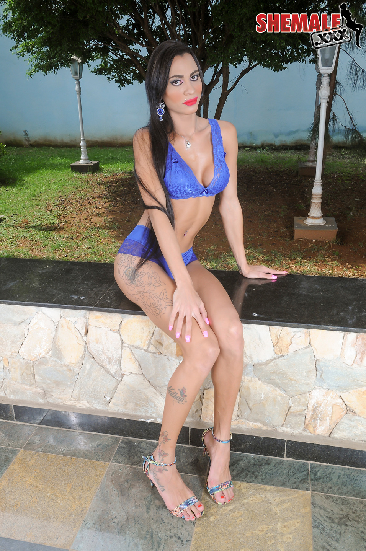 Keyla Lorran Kissable Slim TGirl With Firm Boobs