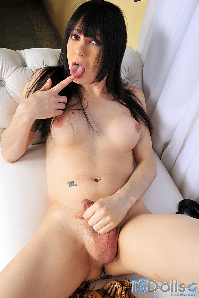 Kissable Femboy Babe Isabella Di Avila