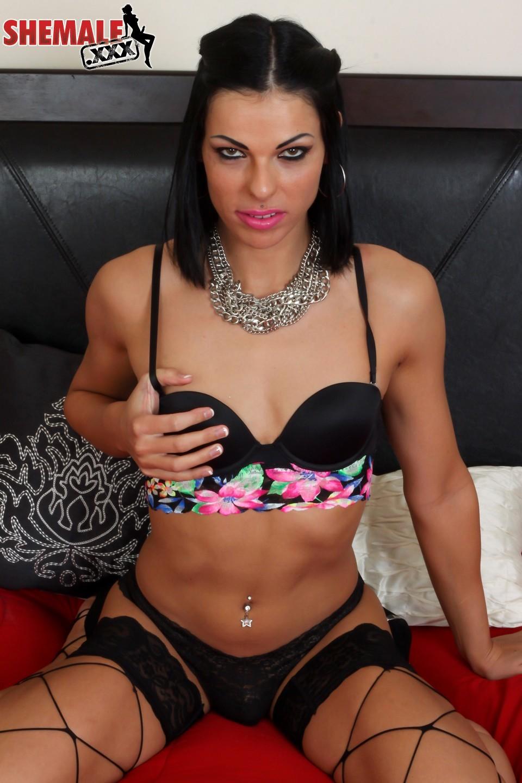 Kyra Angel Slutty Ladyboy Toying Her Butt