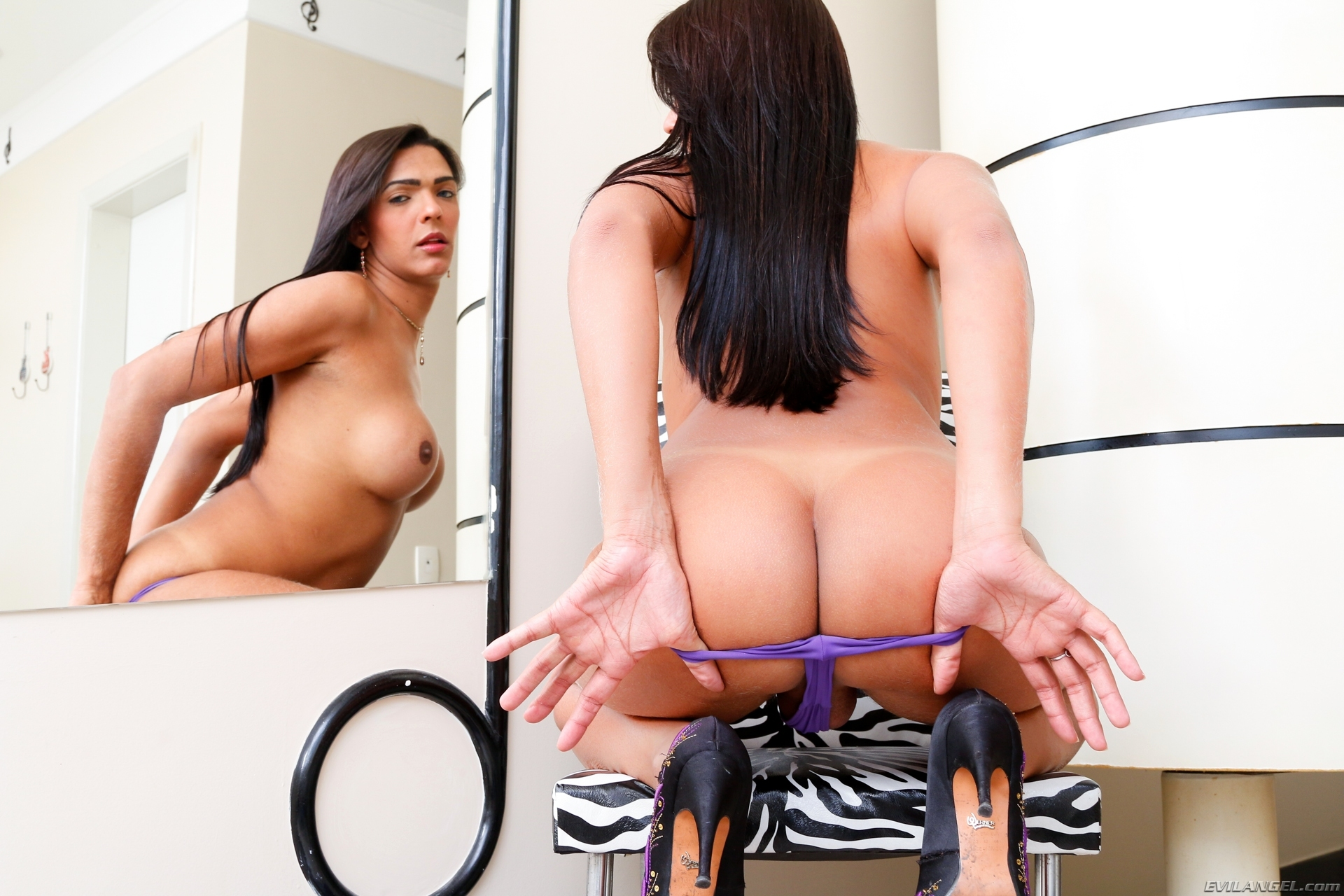 Leticia Araujo Titillating In Purple Panties