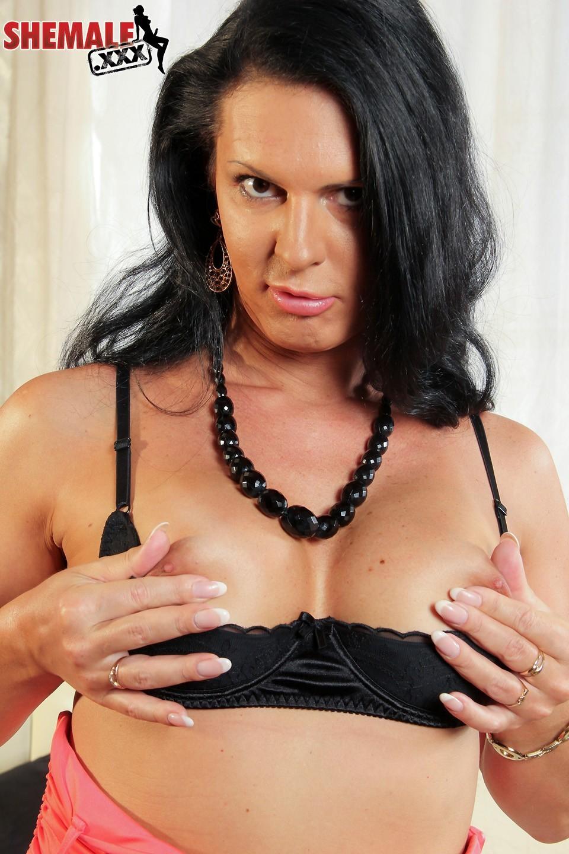 Lina Cavalli Seductive Blackhaired Ts