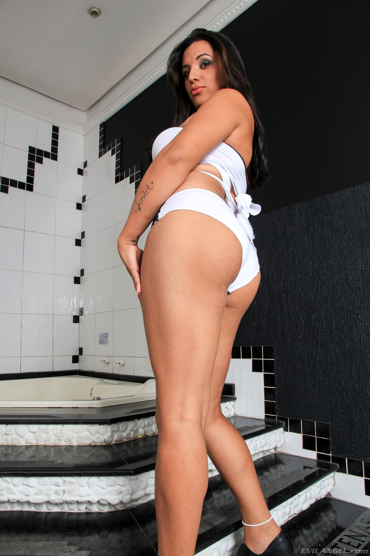 Luana Rodrigues Needs Some Ass-Hole Banging