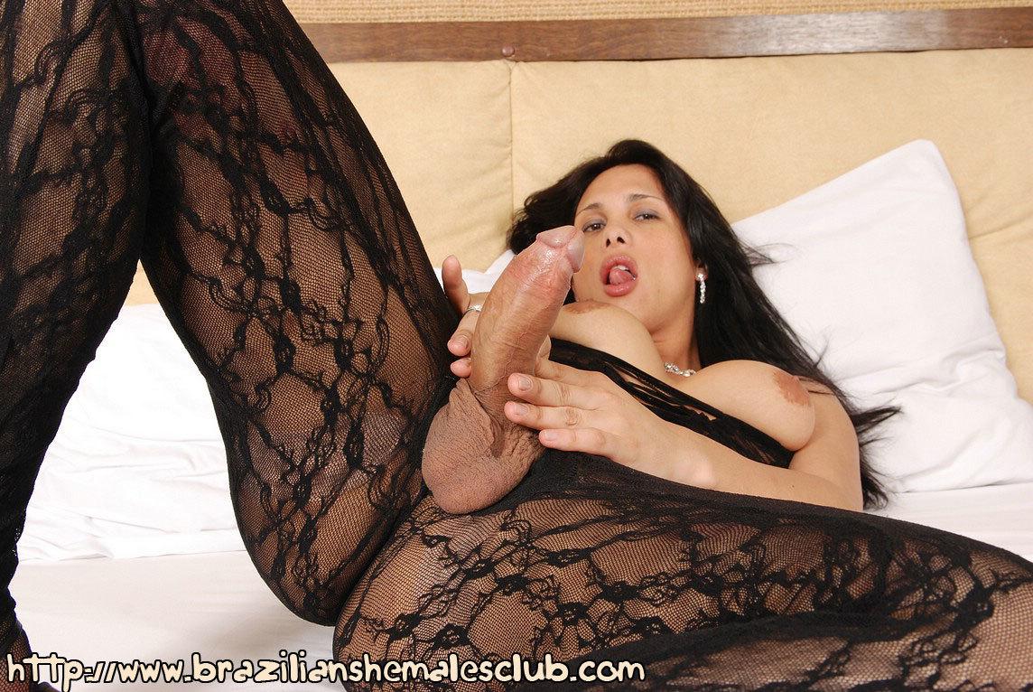 Luiza Abdul Massive Cock Femboy Looks Great In Her Tight Black Bodysuit