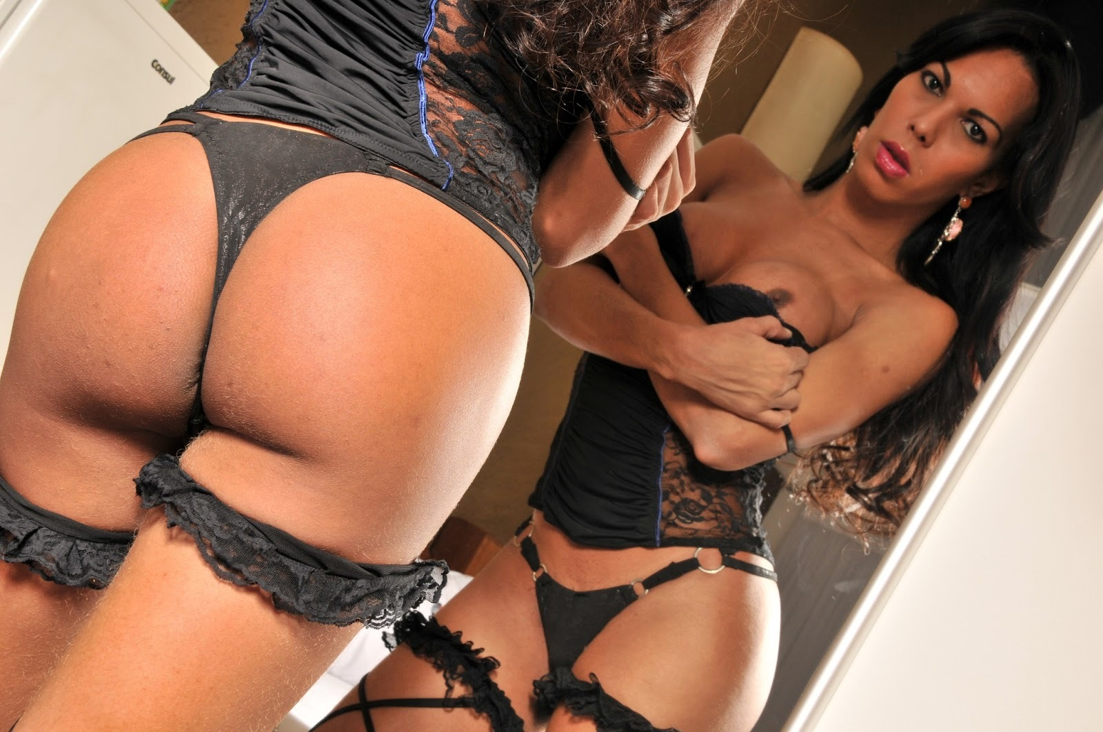 lynda karoynne sensual in black panties