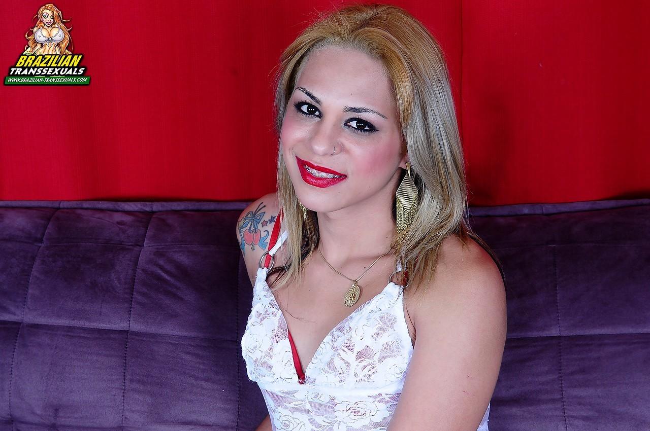 Nathalya Fernandes In Red Panties And Braces Looking Flirtatious