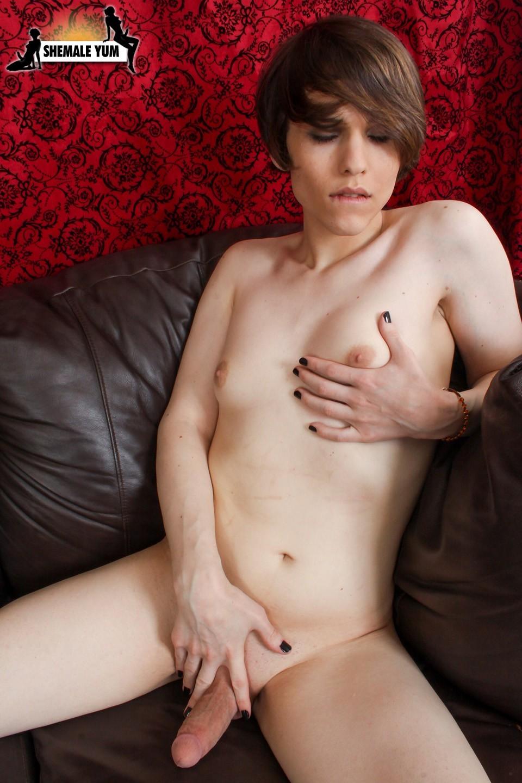 New Flirtatious Transexual Babe Vivian In Purple Panties