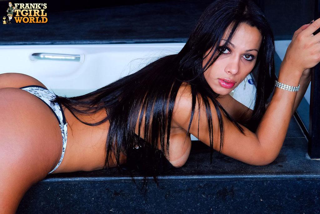 Nicole Navarro With A Fantastic Bubble Ass