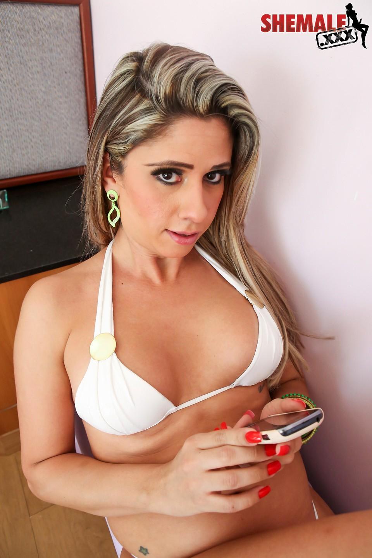Nicole Ribeiro Got Her Penis Sucked
